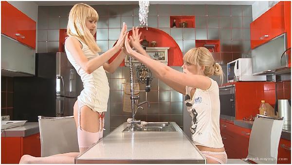 117 Vika Loly Girly love HD