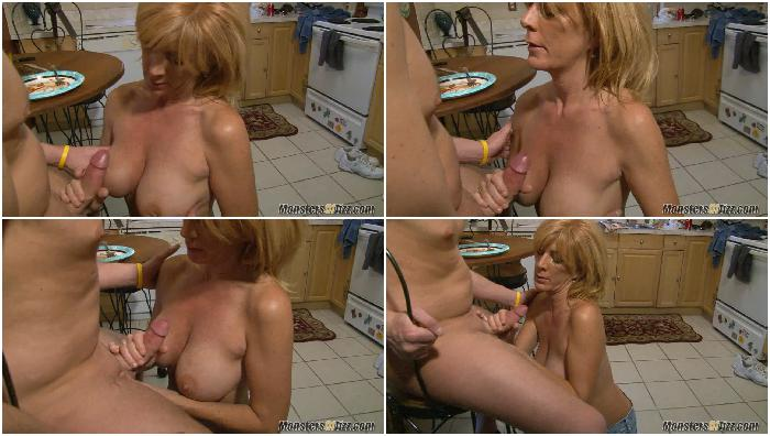 Mom Loves To Eat Cum