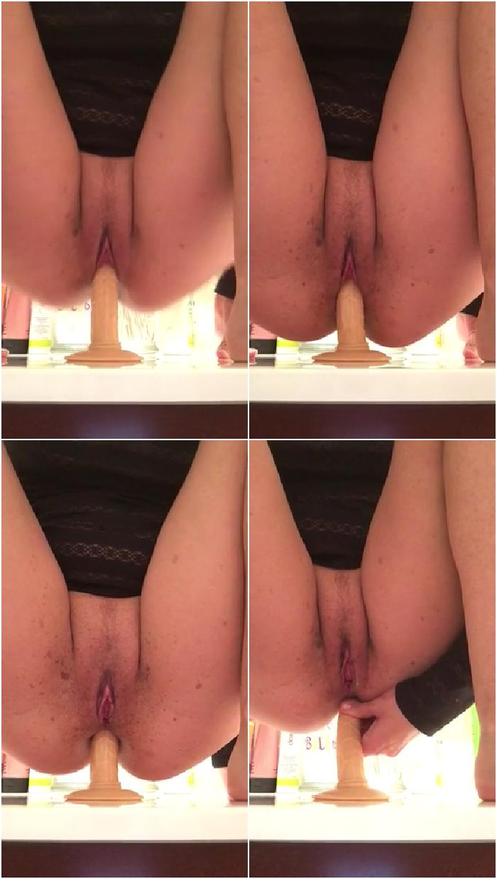 5255454 she fucks her ass and pussy up close 480p