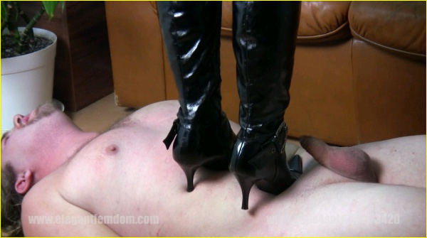 3042 - Lady Sophie Tramples This Poor Male - May 04 2015_m,
