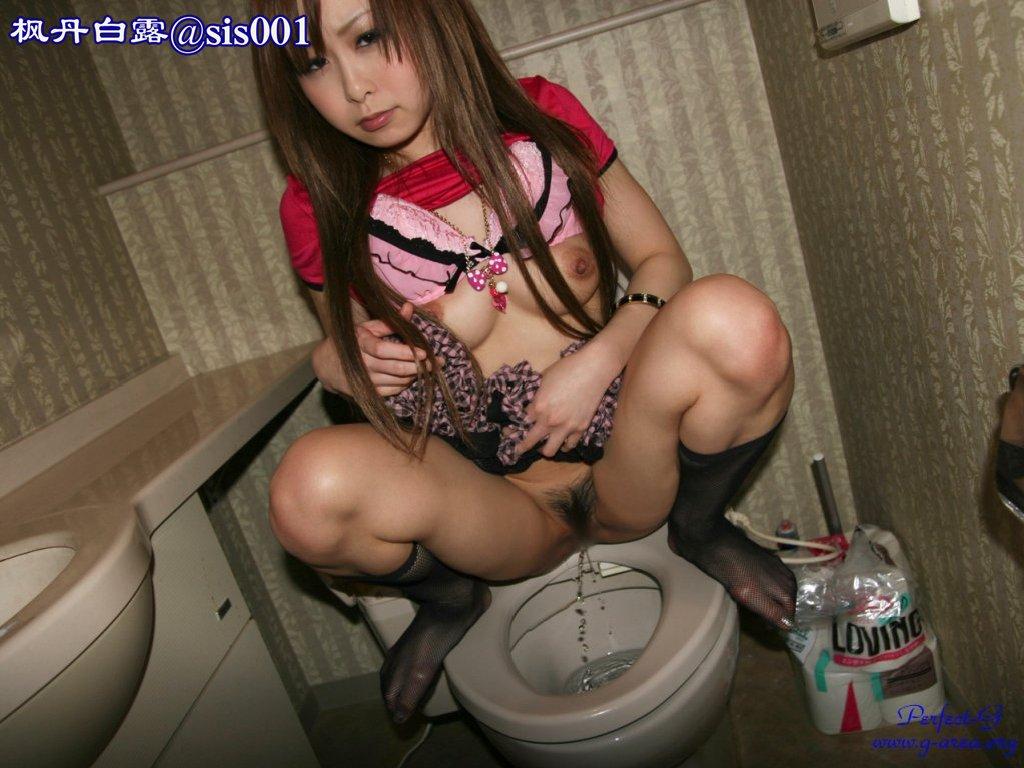 смотреть порно японка в туалете
