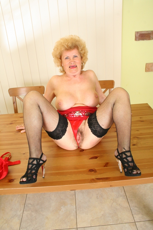 Its the end of May - Mature, MILFs