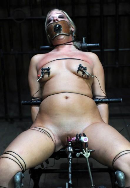 Tight Vibrations - Bondage, BDSM