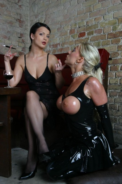 Maria and her Rubber Sub - Latex Sex