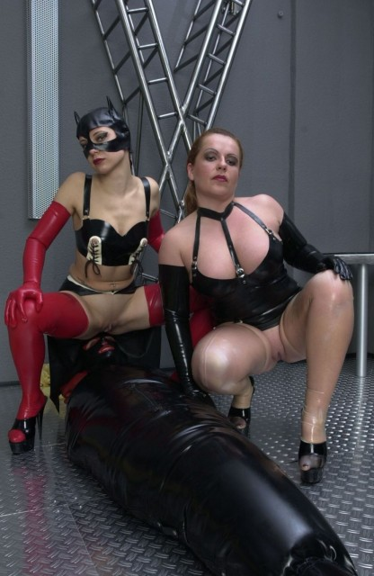 The lady loves her latex girls - Latex Sex