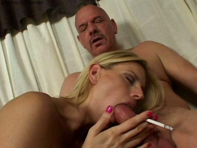 Hot smoker sucks mature man off - Smoking Sex