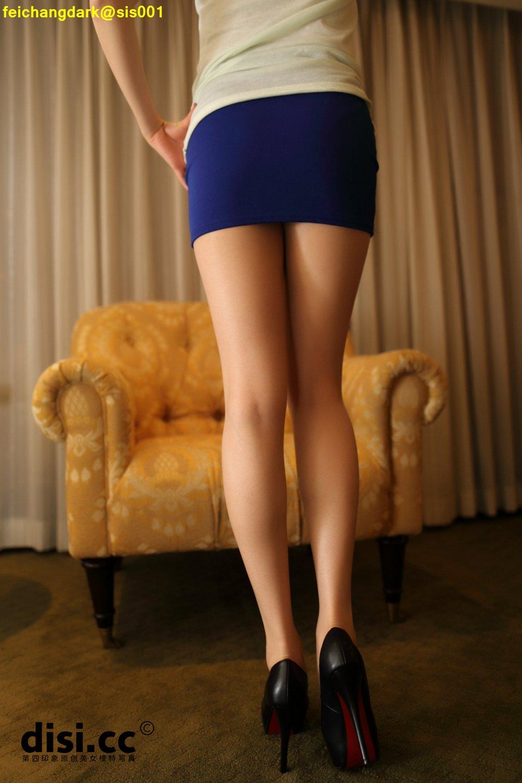 藍裙長腿妹誘惑脫絲