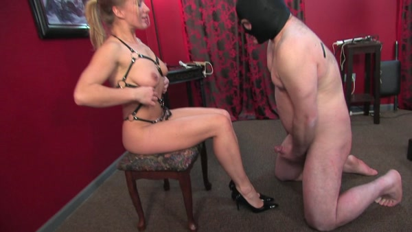 Milf threesome creampie eating hd and