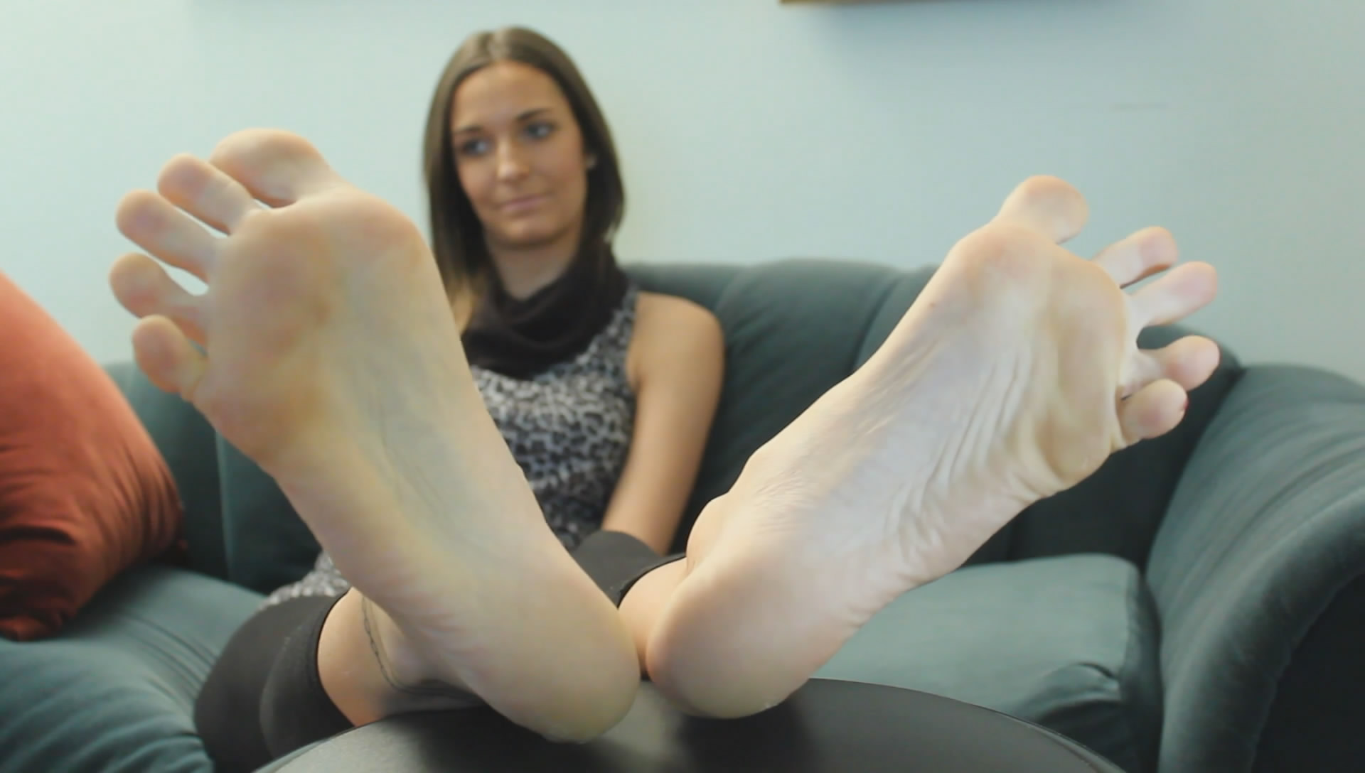 Candid smelly feet and soft soles in flats in job i touch 9