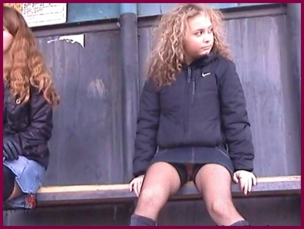 No Panties Upskirt Videos 90