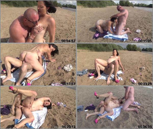 Amateur web cams exhibitionists
