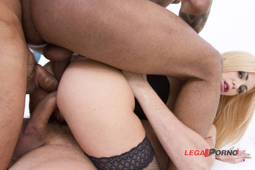 LegalPorno - Isabella Clark [Isabella Clark takes 3 cocks in the ass at the same time (TAP/DAP) SZ670] (SD)