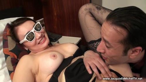 Katerina - Katerina sodomisee devant son mari en marge du salon de Bruxelles ! [SD 360p] (JacquieetMichelTV)