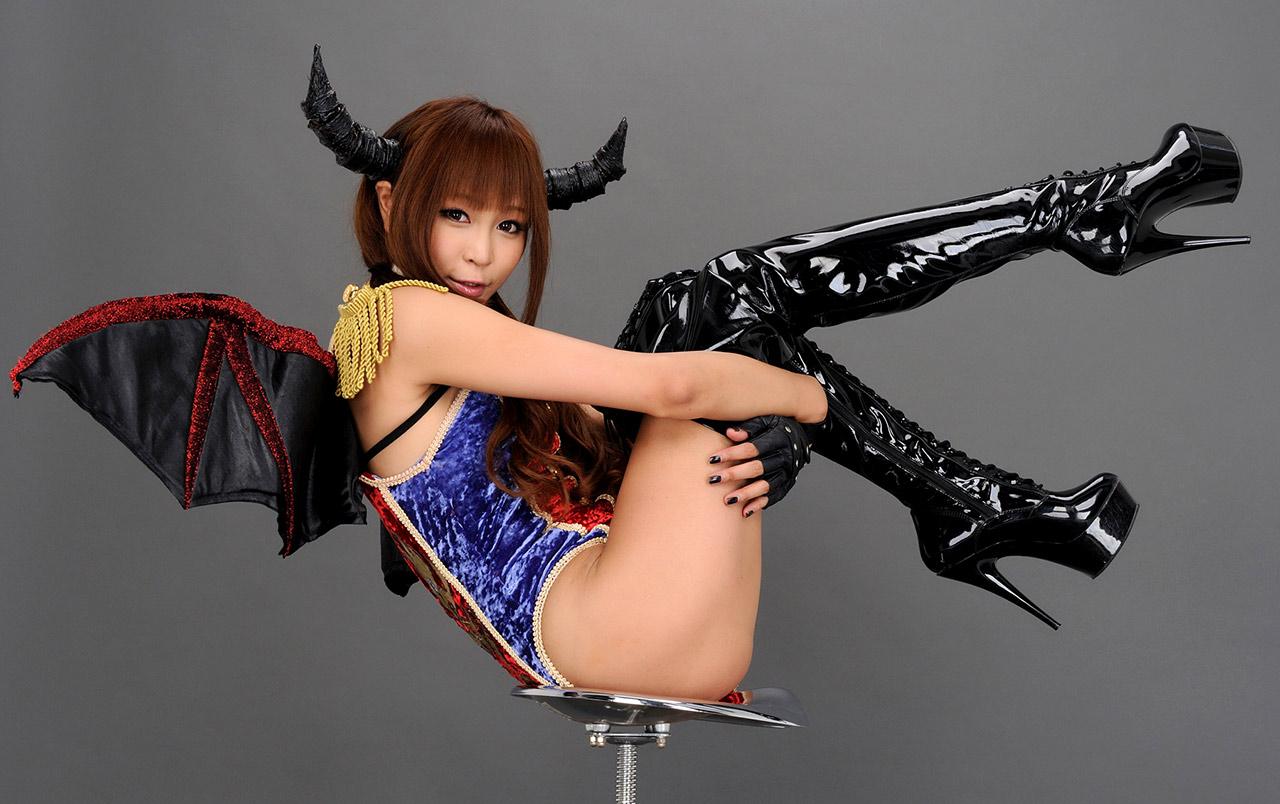 sayuri ono hot cosplay bikini photos 04