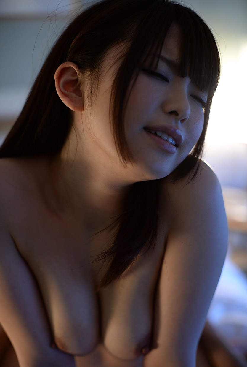 yui aoba hot nude photos 03
