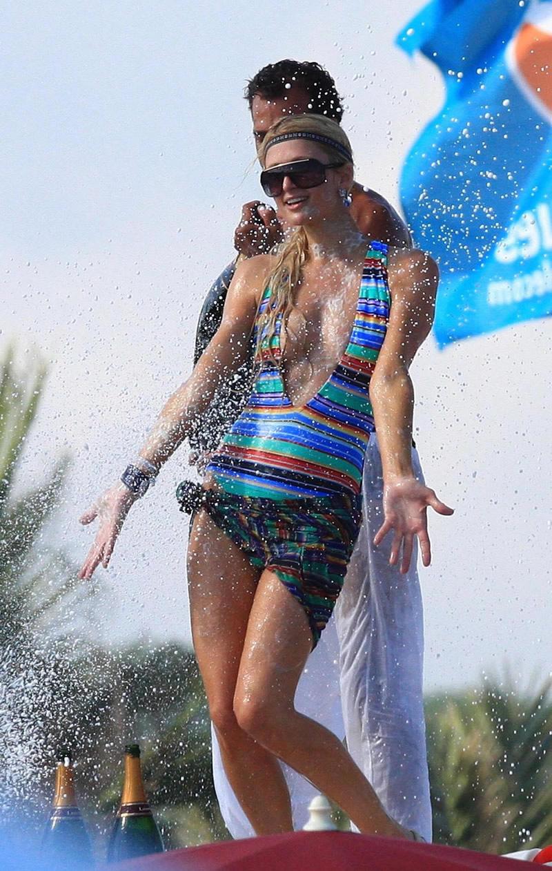 paris hilton hot beach bikini photos 04