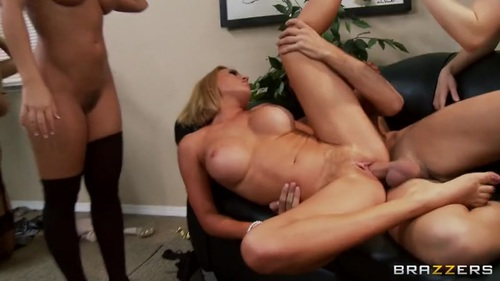 Nicole aniston double penetration