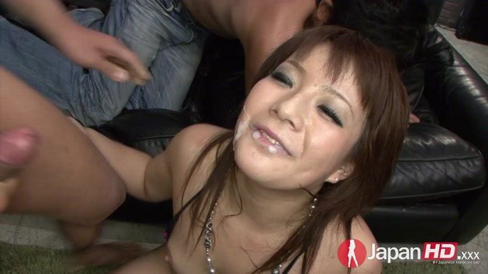 Asian_woman_down_the_face.00026,