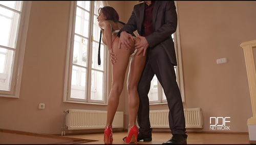 rose_valerie_submissive_human_pet_anal_fisting