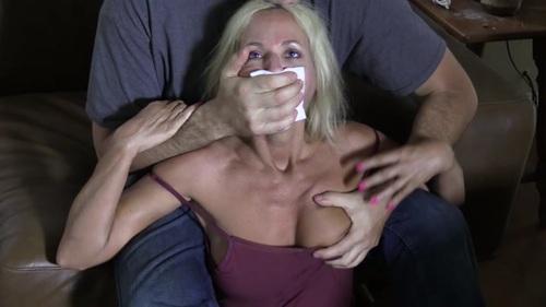 AMANDA – DRUNK MOM CHLORO SLAVE