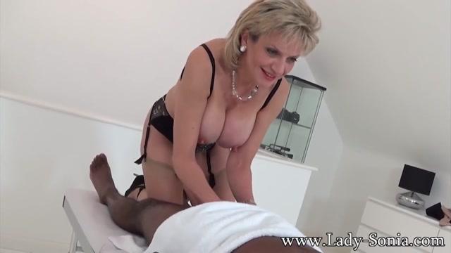hot and nude pamela
