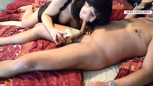 File name:  foot job- with high heels 0017.MP4