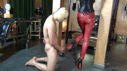 File name:  foot job with high heels 0006.wmv
