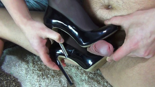 File name:  foot job with high heels 0003.wmv