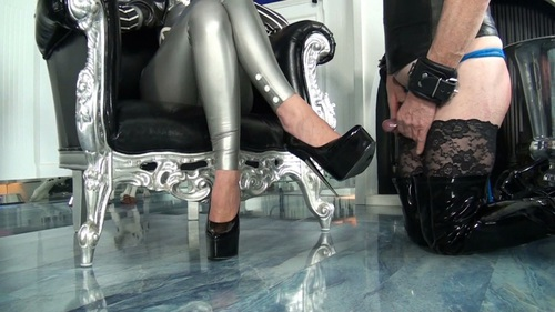 File name:  foot job with high heels 0015.wmv