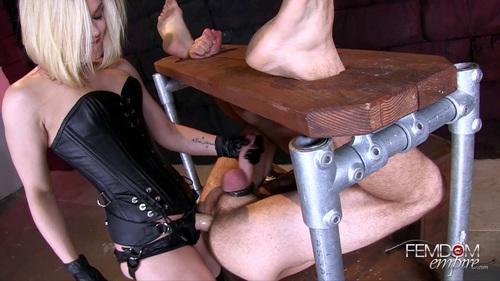 File name:  mistress anal strapon guy video xxx 0006.mp4
