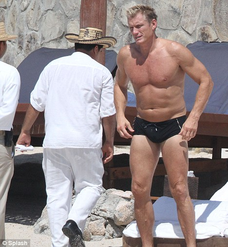 Dolph Lundgren caught naked on mexican beach! - YouTube