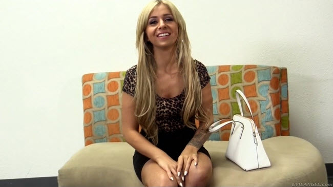 Madelyn Monroe : The Casting Couch [Evil Angel] (FullHD)