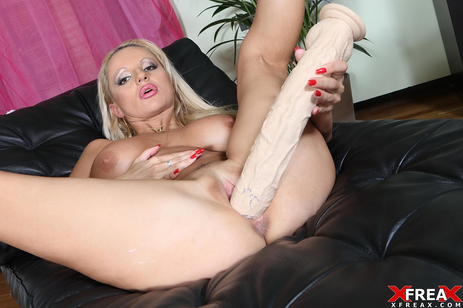 [DildoAndFisting] Busty Blond with Big Toys