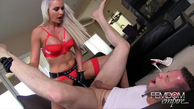 Ash hollywood fucks lance hart039s ass with giant strapon - 1 part 6