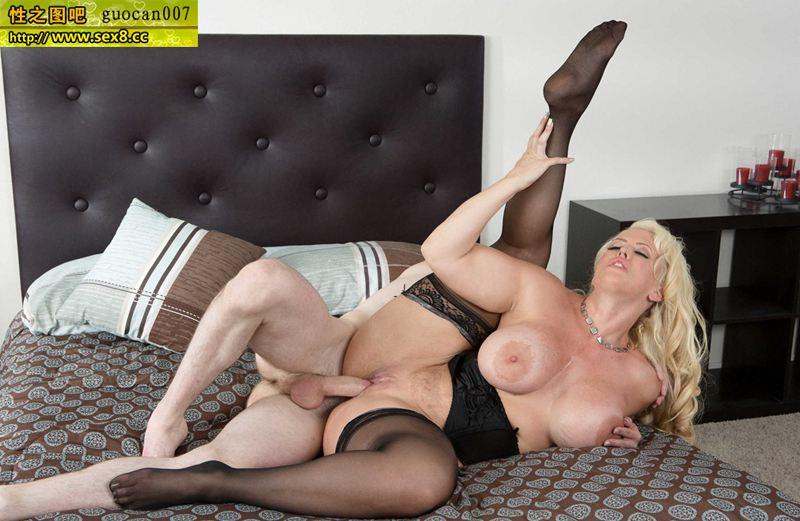 Alura Jenson In Black Stockings Pornpic 1