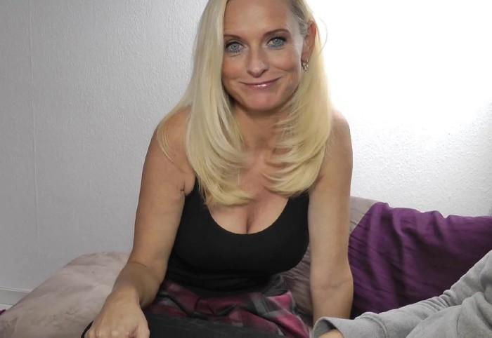 Blond Lesbian Milf Pornstars