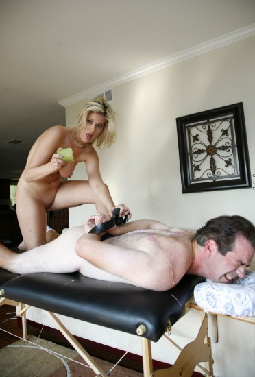 Fayth Deluca really knows how to dominate a man - Femdom