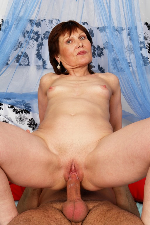 65 year old granny Annie - Mature, MILFs
