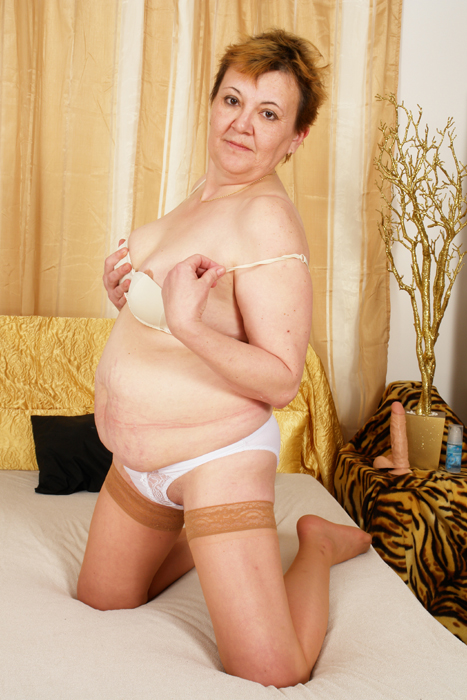 Its time for another good time granny! - Mature, MILFs