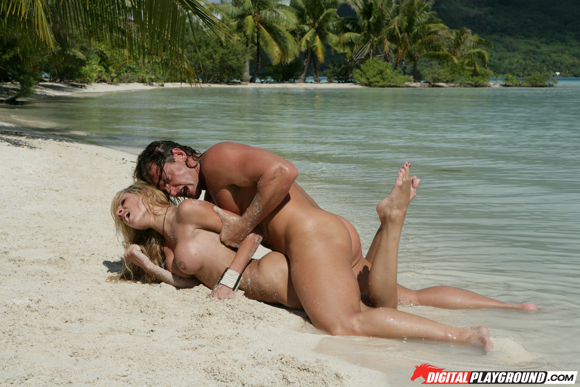 Секс На Море Видео