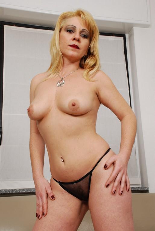 Adriana - Mature, MILFs