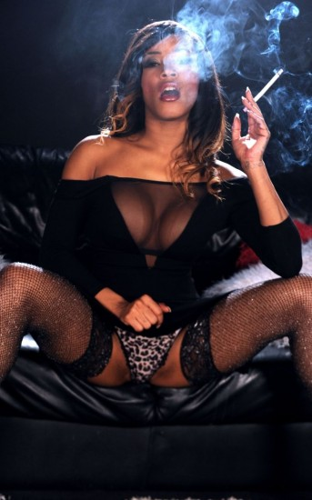 Kiki Minaj - Smoking Sex