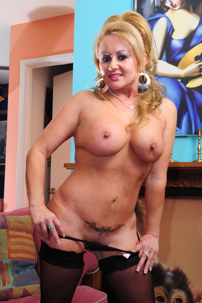 Go To Page About Sexy Hot Milf Picture