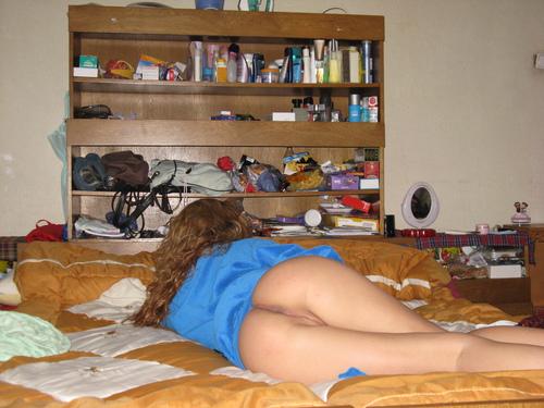 Фото в общаге голых девушек