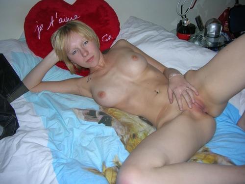 TS Porno Bilder von nackte Schwanzmdchen mit dickem