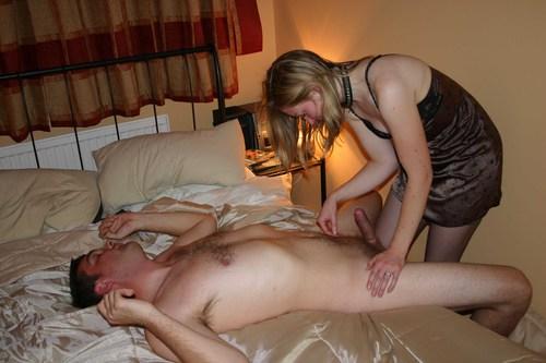 порно домашнее жена дрочит мужу