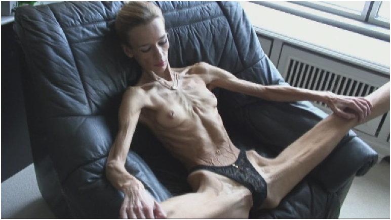 Masturbation couch sister tube