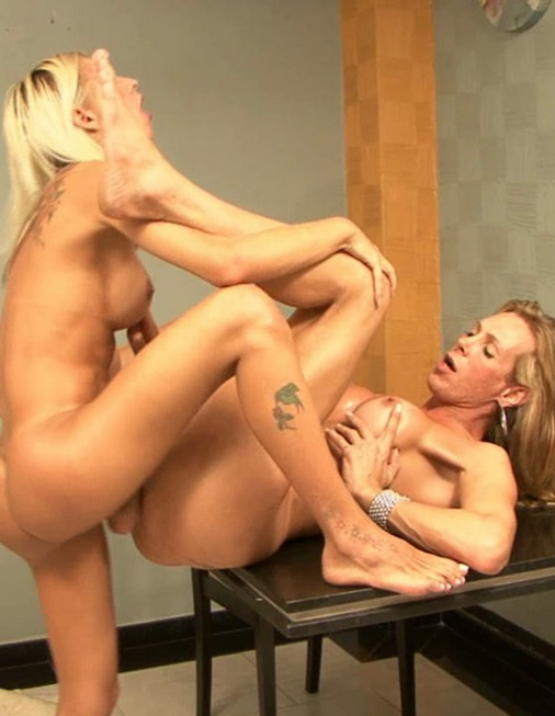 Both blonde shemales Alexia and Dani
