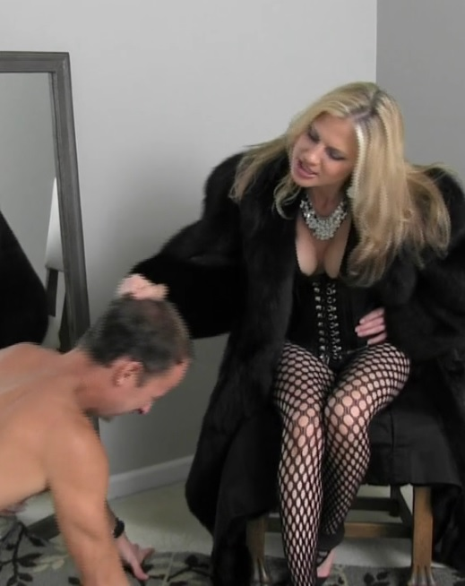 Starring: Punished By the Fur Mistress Categories: Femdom Length: 5 min.  Resolution: 1280x720. Format: mp4. Size: 145 MB