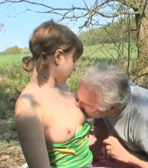 Dirty babe gets fucked in nature